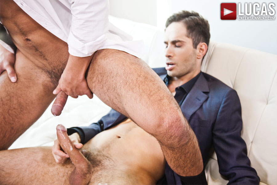 Gentlemen 11: Unsuited Raw - Gay Movies - Lucas Raunch